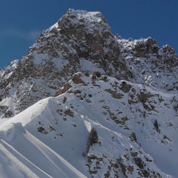 pic du massif du Queyras recouverts de neige